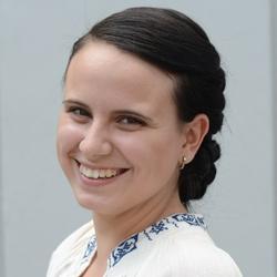 Yulia Tayps, Journalistenschule ifp